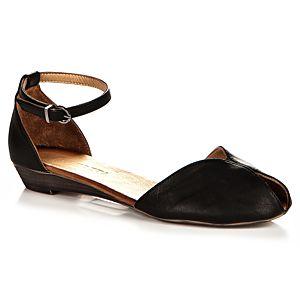 Beta Bilekten Bağcıklı Sandalet