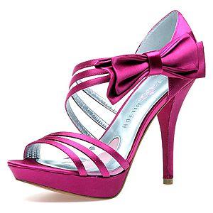 Paris Hilton Nila