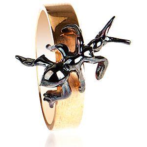 Nihan Atakan Karınca Yüzük
