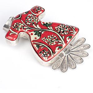 Vartan Collection Kırmızı Mozaik Elbiseli Kolye