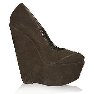 LeSille Siyah Süet Pimli Biyeli Dolgu Topuk Ayakkabı