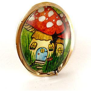 Mainili Mushroom Fairy House Bronze Brooch