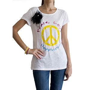 2bTrendy Peace Yazılı Broşlu T-Shirt
